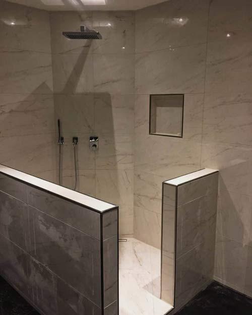 eine neu geflieste Dusche in Fürth Odenwald